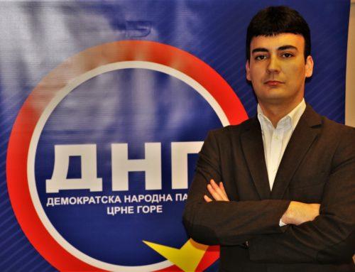 Jovanović: Torta kao simbol beskrajnog poltronstva Mladih DPS-a